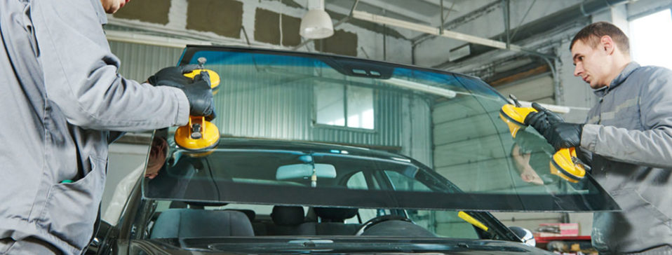Select The Right Company For Your Auto Windshield Replacement